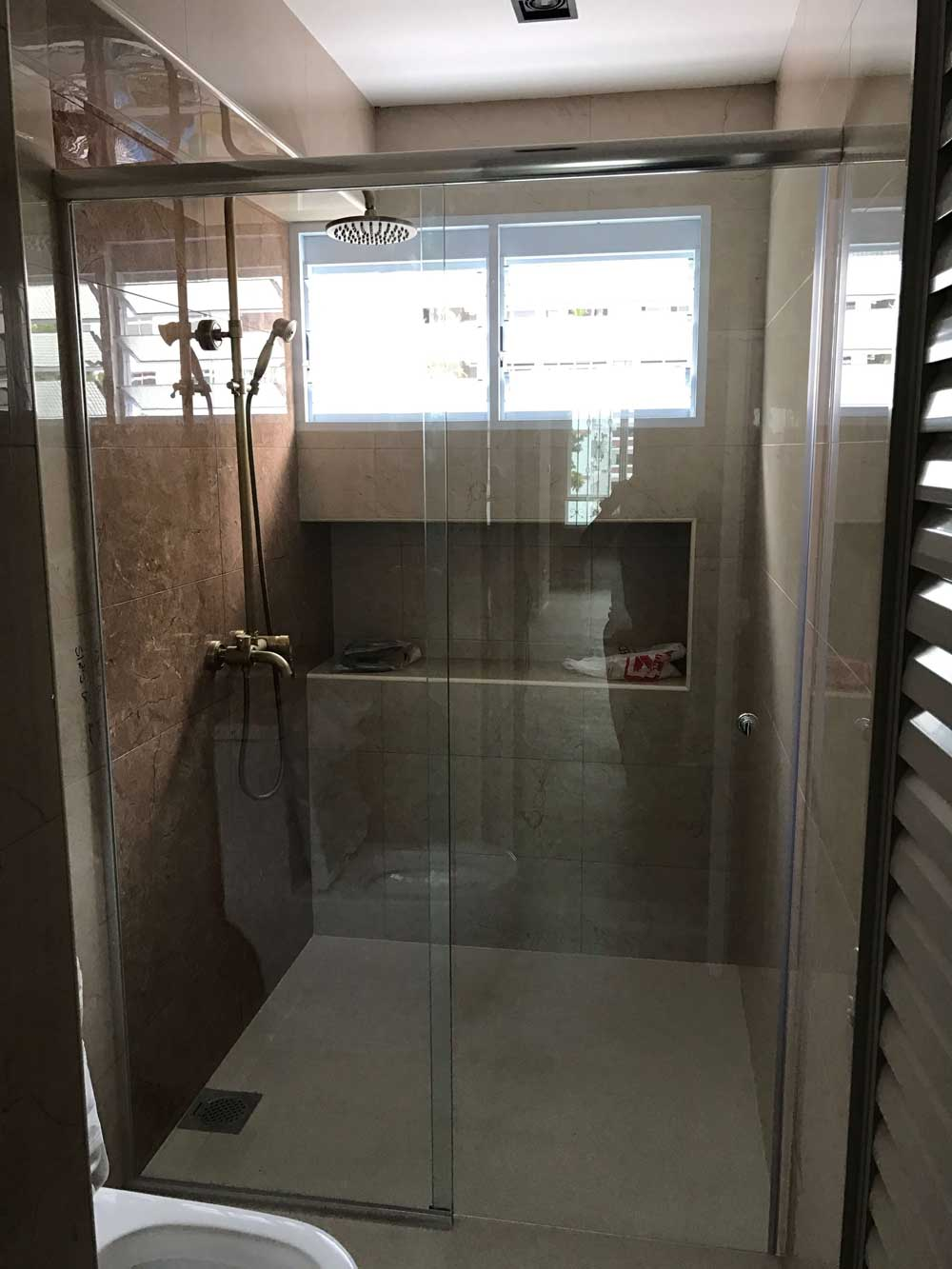 MWO 9400 Shower Sliding System (Straight Entry)