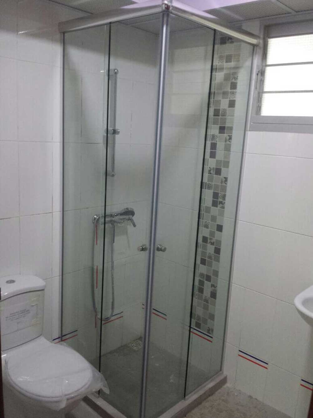 MWO 9400 Shower Sliding System (Corner Entry)